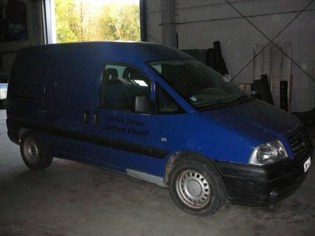L'Administration communale d'Incourt met en vente un véhicule déclassé de type camionnette de marque Fiat, modèle Scudo.
